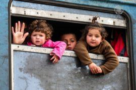 Граница открыта: тысячи беженцев продолжили путь