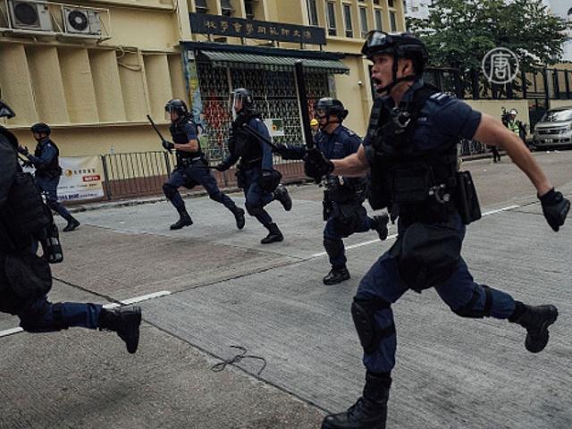 Гонконг: стычки уличных торговцев с полицией
