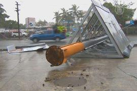 На Фиджи обрушился разрушительный циклон