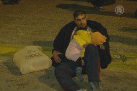 Сотни мигрантов не могут уехать из порта Пирей