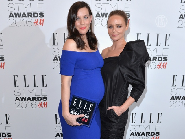 Журнал Elle отметил знаменитостей наградами