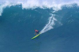 Гавайи: состязание сёрферов памяти Эдди Айкау