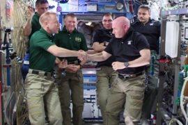 Скотт Келли передал командование экипажем МКС
