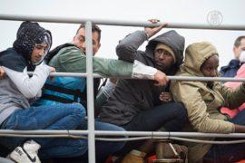 Ещё больше мигрантов хлынуло в Грецию