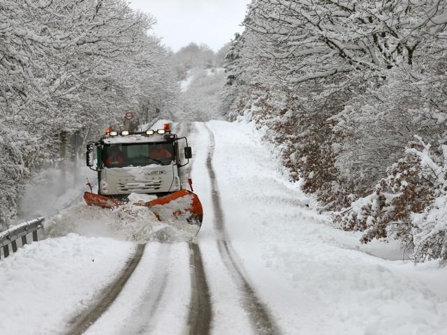 На севере Испании выпал снег