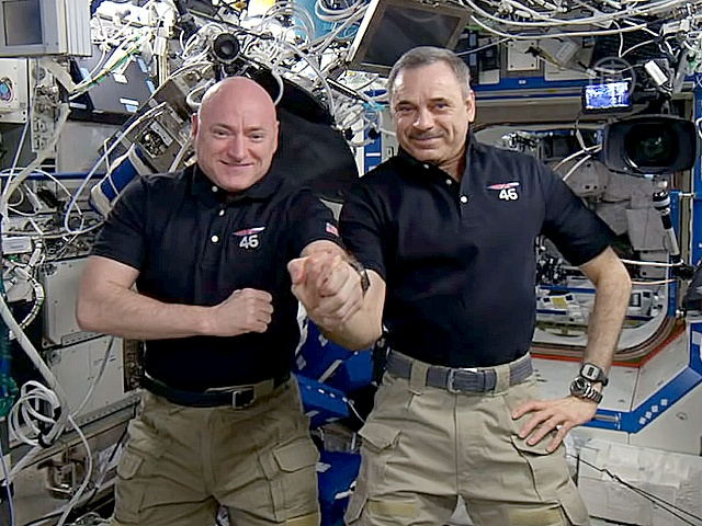 Космонавты поделились впечатлениями о жизни на МКС
