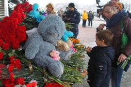 Крушение Boeing 737: россияне скорбят по погибшим