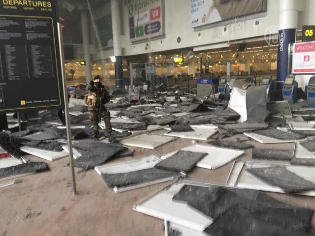 Брюссель: три взрыва в аэропорту и метро