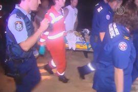 Акула откусила ногу мужчине, но друзья его спасли