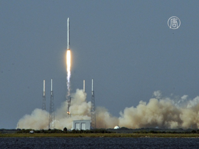 Корабль Dragon доставил на МКС более 3000 кг груза