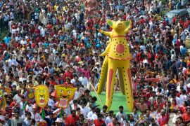 Новогодние гуляния развернулись в Бангладеш