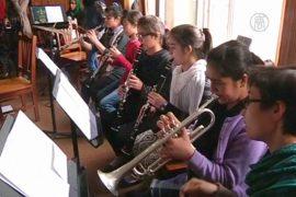 Афганские девушки отстаивают право учиться музыке