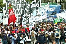Массовые увольнения вызвали протест аргентинцев