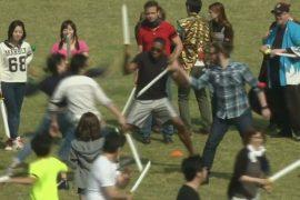 Сотни японцев на время стали самураями