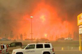 80 тысяч человек эвакуируют из-за пожара в Канаде