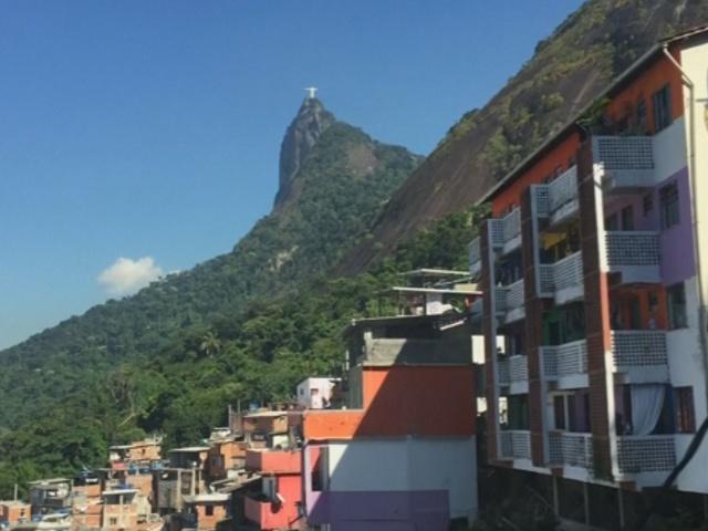 Гостям Олимпиады в Рио предложат пожить в фавелах