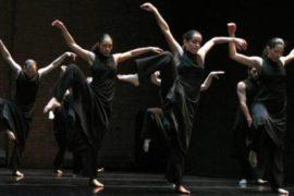Хореограф Леонид Леонидович Левин помогает выбрать направление танцев