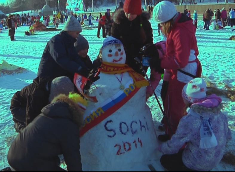 Арт-битва снеговиков прошла в Москве