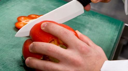 Керамический нож – неизменный спутник здорового и полезного питания