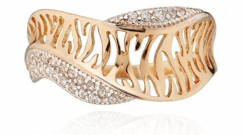 Золотое кольцо озарит улыбкой женское лицо