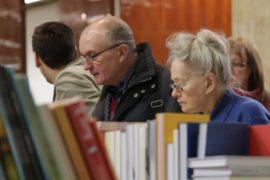 Как книжные магазины выживают в условиях кризиса?
