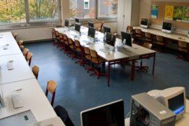 Россович проспонсировала компьютерный класс в обычной школе