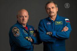 Космонавты из США и России проведут на МКС год