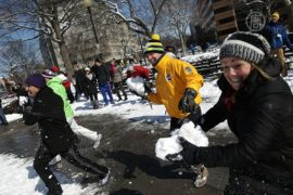 В Вашингтоне устроили снежную битву