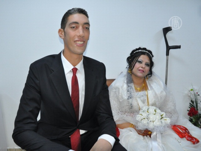 Разница в росте 80 см: Султан Кёсен женился